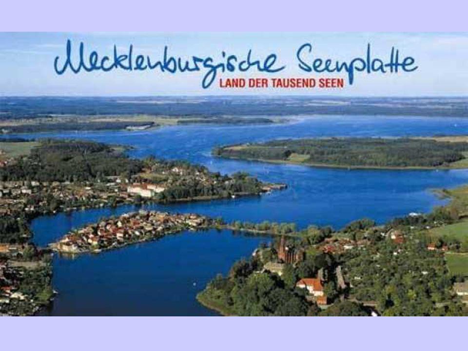Dag 5:Vrijdag 9 september 2011 Vanaf 7u30 Ontbijtbuffet Voormiddag: De Mecklenburgische Seenplatte oftewel Het Mecklenburgische Merenplateau Het merengebied de Mecklenburgische Seenplatte is uniek.