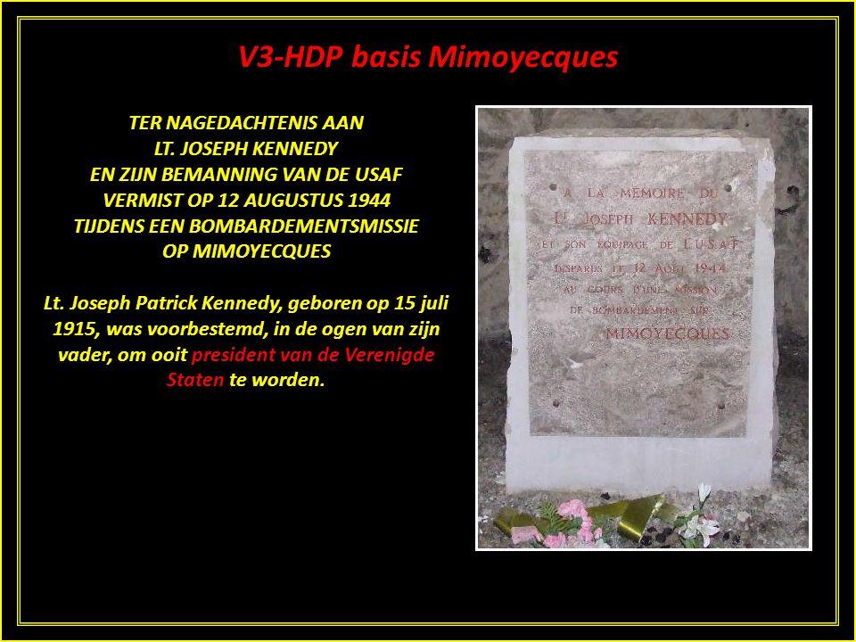 V3-HDP basis Mimoyecques KENNEDYMONUMENT Aan de rechterzijde, tegenover de vierde galerij staat een opvallend monumentje. Het is opgericht ter nagedac
