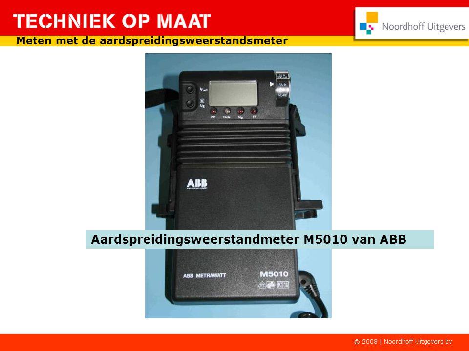 Aardspreidingsweerstandmeter M5010 van ABB Meten met de aardspreidingsweerstandsmeter