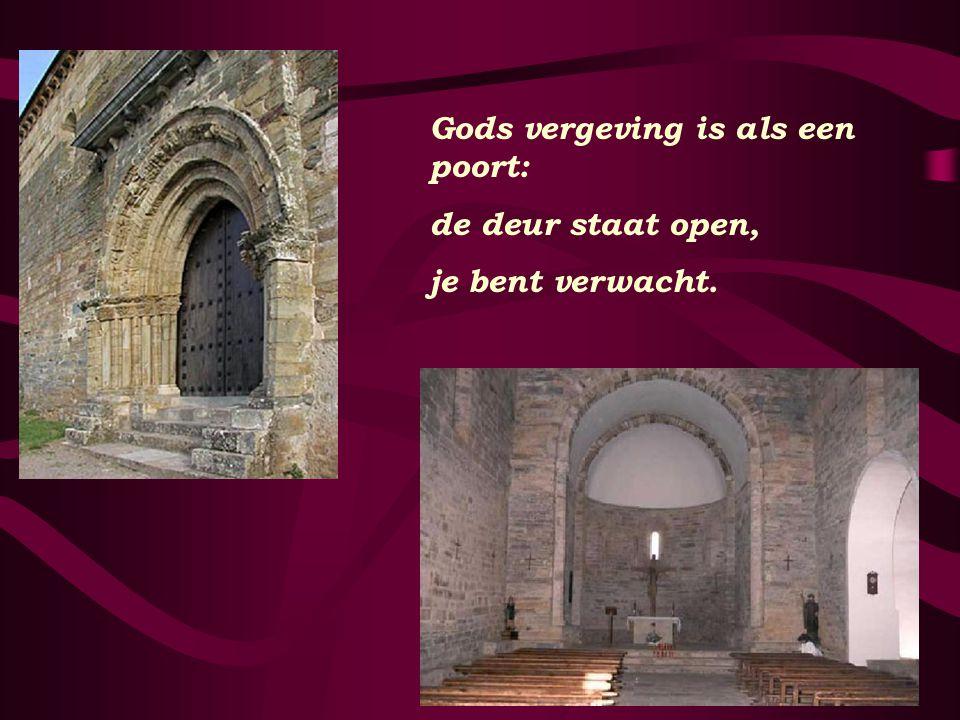 Cruz de ferro Het hout van het kruis;- in een wankele hoop stenen raakt het de aarde.