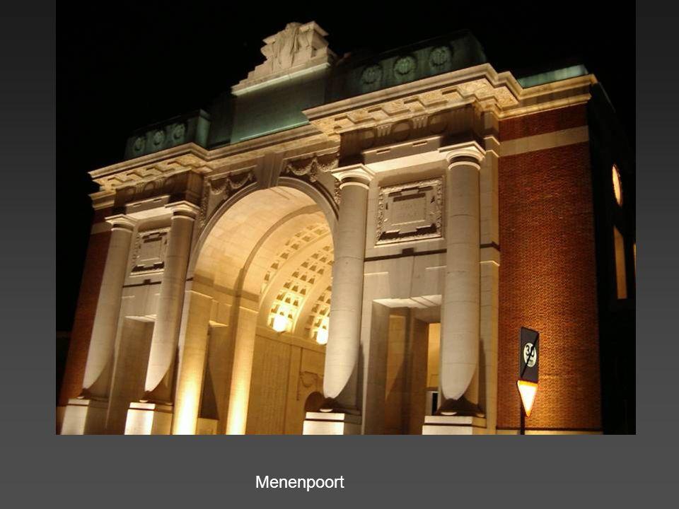 Verschrikkelijke herinneringen : Bom onder doorgang Belfort Schrapnel in raamkozijn (Boterstraat)