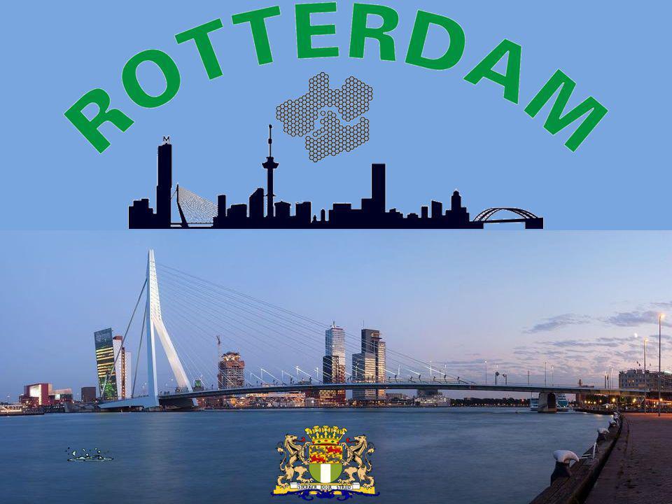 Skyline omgeving Wilhelminapier vanuit Pendrecht Gedeelte van het Zuiderpark Foto genomen zomer 2011 hier wordt De Rotterdam gebouwd 31 maart 2012 bouw van De Rotterdam