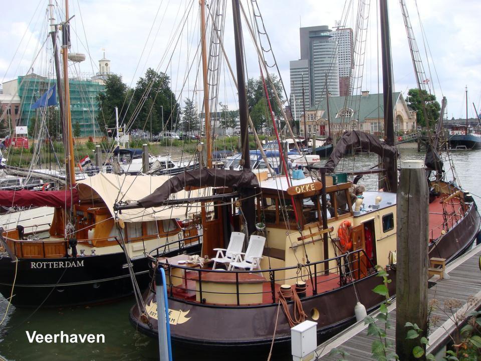 Deze foto is waarschijnlijk genomen vanaf de Sint Laurenskerk