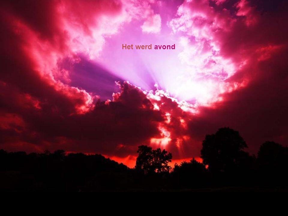 God keek naar alles wat hij had gemaakt en zag dat het zeer goed was