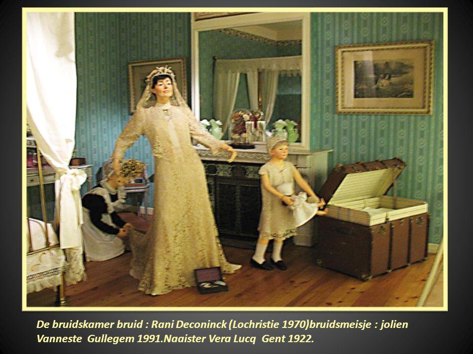 Communicant: Sofie Vanneste 1989. Bisschop:Kardinaal Jan Schotte 1928
