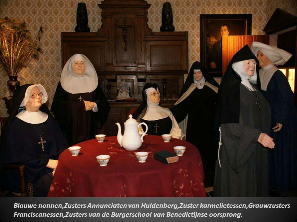 De verzorging van de bejaarden gebeurde eeuwenlang in huiselijke kring.De zieke Albert Thange (Kortrijk 1916) Verpleegster zuster Bernadette,O,L, Vrou