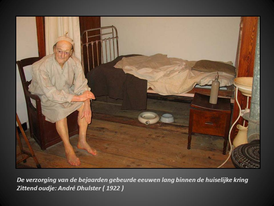 We bevinden ons hier in een typische partoir of spreekplaats van een klooster 1800en1960. Jenny Thanghe 1926