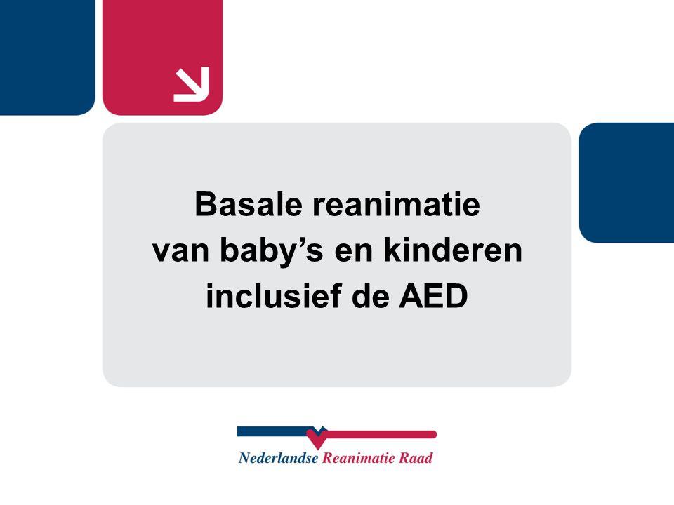 LAAT 112 BELLEN (+ AED) Laat de omstander daarna een AED halen indien aanwezig Als u alleen bent, eerst 1 minuut reanimeren