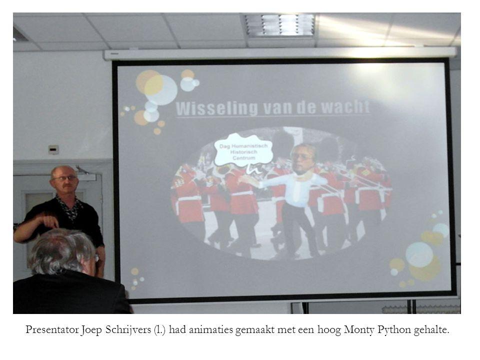Presentator Joep Schrijvers (l.) had animaties gemaakt met een hoog Monty Python gehalte.