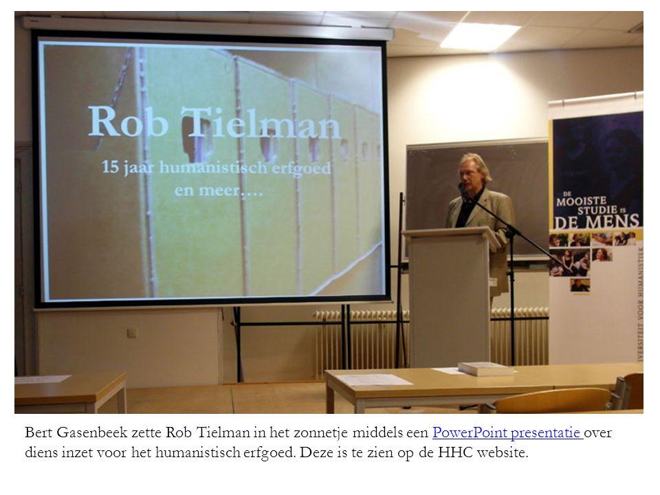 Bert Gasenbeek zette Rob Tielman in het zonnetje middels een PowerPoint presentatie over diens inzet voor het humanistisch erfgoed.