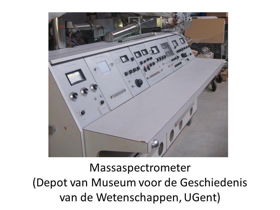 Massaspectrometer (Depot van Museum voor de Geschiedenis van de Wetenschappen, UGent)
