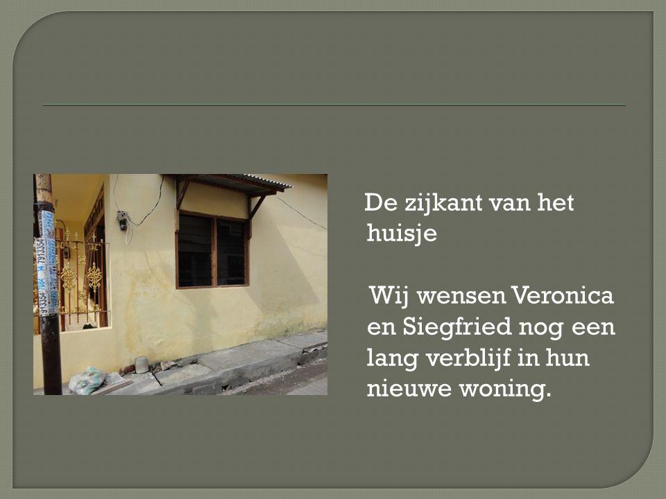 De zijkant van het huisje Wij wensen Veronica en Siegfried nog een lang verblijf in hun nieuwe woning.
