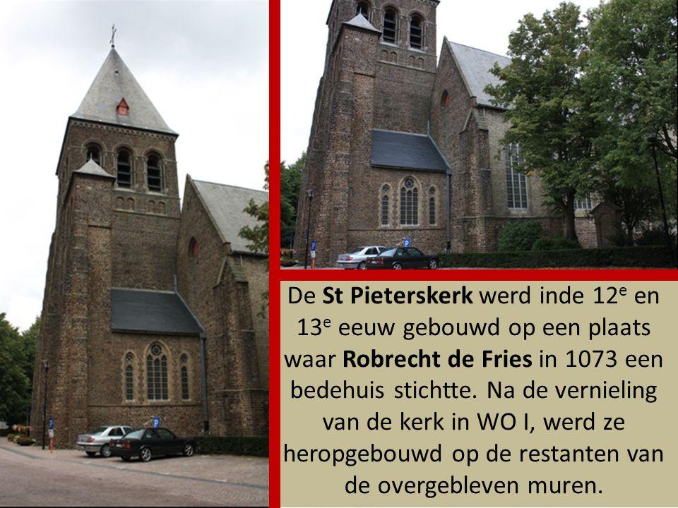 Het Belle Godshuis werd rond 1276 door Christine de Ghines gesticht ter nagedachtenis van haar echtgenoot Salomon Belle.