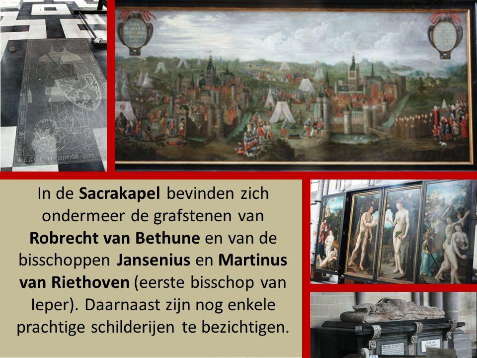 De St Maartenskathedraal is gebouwd op de plaats waar eerst een romaanse kerk stond. In 1561 werd het bisdom Ieper opgericht en de kloosterkerk werd t