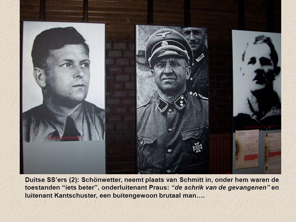 """De meest beruchte Duitse SS'ers (1) van het kamp: commandant Schmitt met vrouw Ilse Birkholz en zijn hond Lump die speciaal was afgericht om """"tijdig t"""