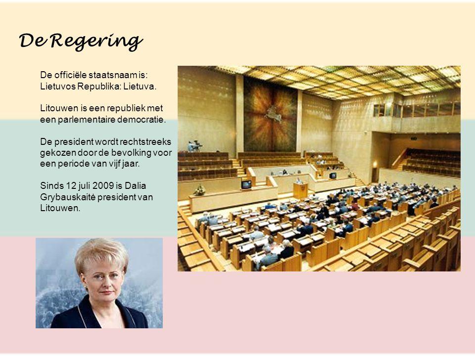 De Regering De officiële staatsnaam is: Lietuvos Republika: Lietuva. Litouwen is een republiek met een parlementaire democratie. De president wordt re