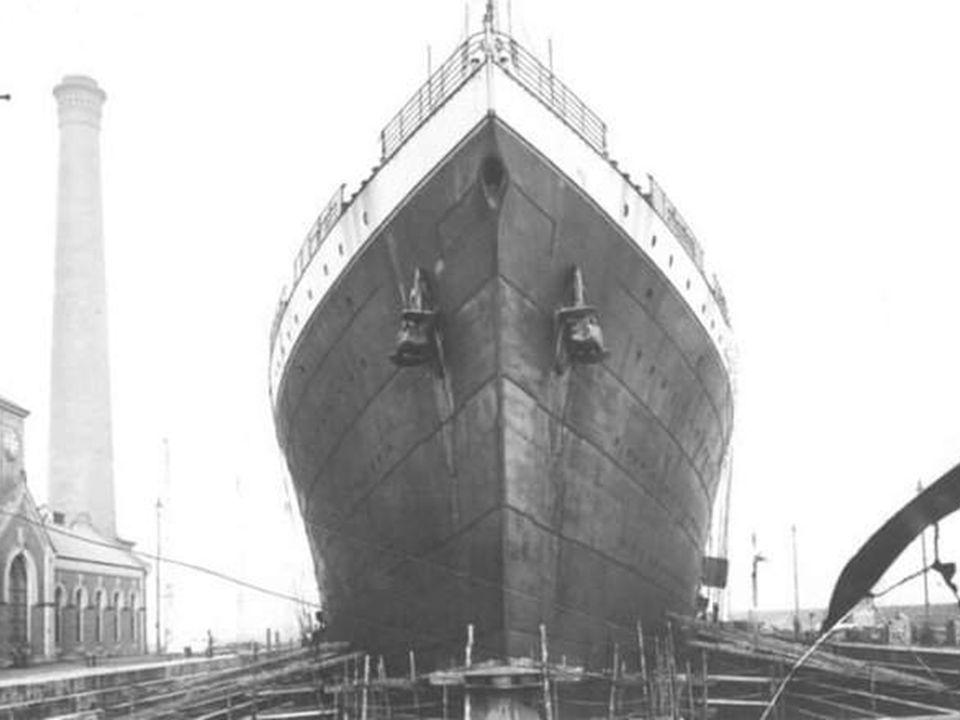 De Titanic in het droogdok..