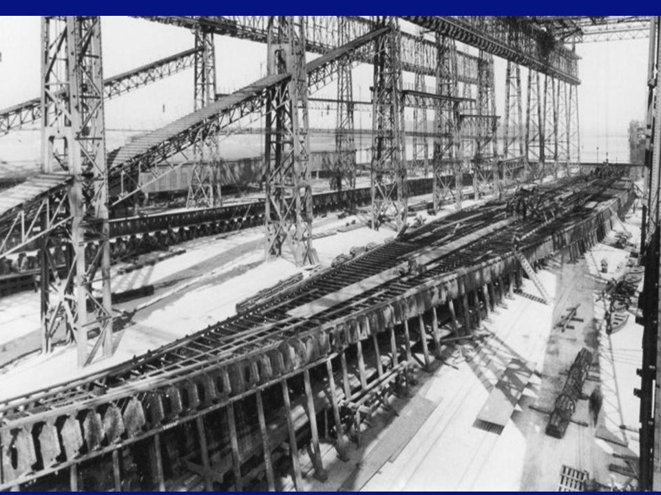 """Originele maquette van de """"Titanic"""" en de """"Olympic"""