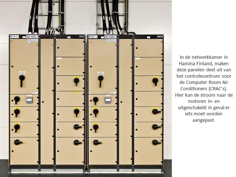 In de netwerkkamer in Hamina Finland, maken deze panelen deel uit van het controlecentrum voor de Computer Room Air Conditioners (CRAC s).