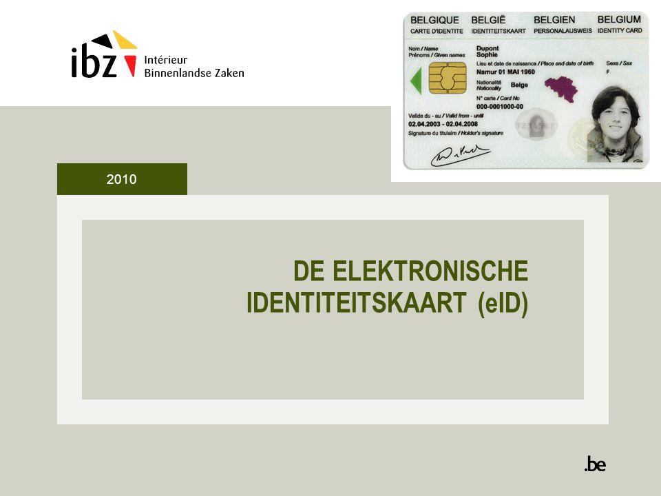 2 Een beetje info over de eID •2003: start project eID in 11 pilootgemeenten 2004: uitrol in alle gemeenten (06/12/2004) Eind 2009: iedere Belg verplicht een eID •Lopende projecten BIZA -10 jaar geldigheid -Sis kaart vervanging (barcode sinds 01/03/2010) -Kids kaart voor vreemdelingen •Lopende projecten -Notariële akten online (2012) NABAN