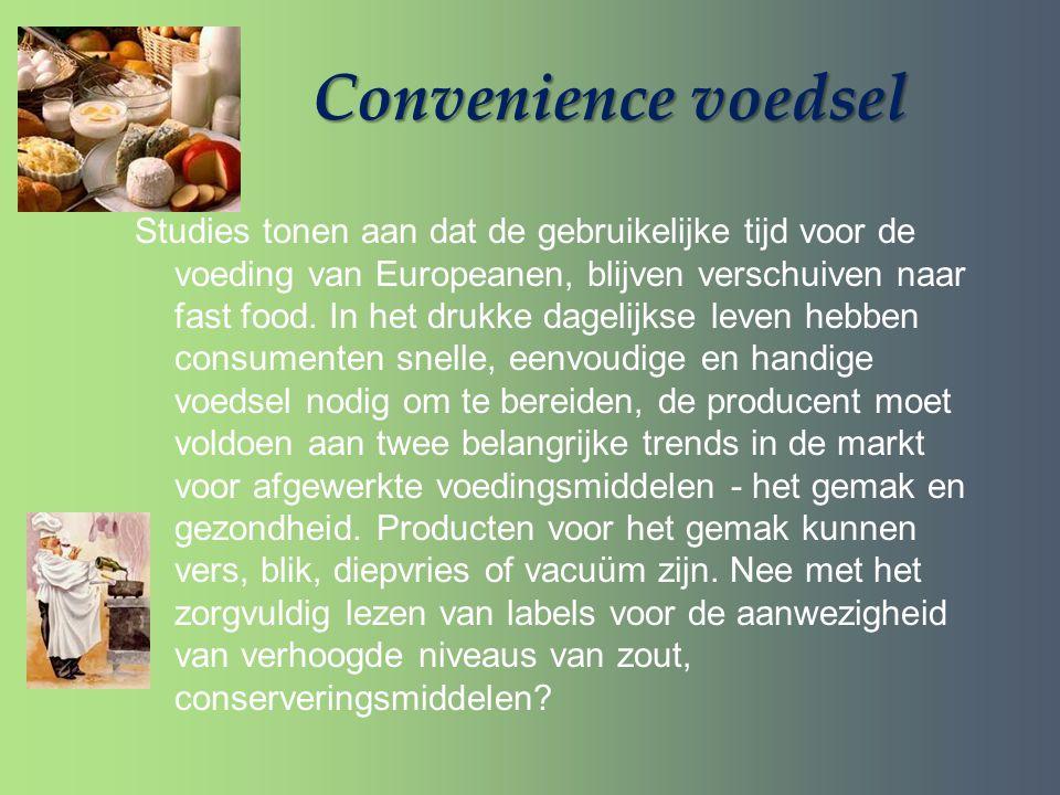 Convenience voedsel Studies tonen aan dat de gebruikelijke tijd voor de voeding van Europeanen, blijven verschuiven naar fast food. In het drukke dage