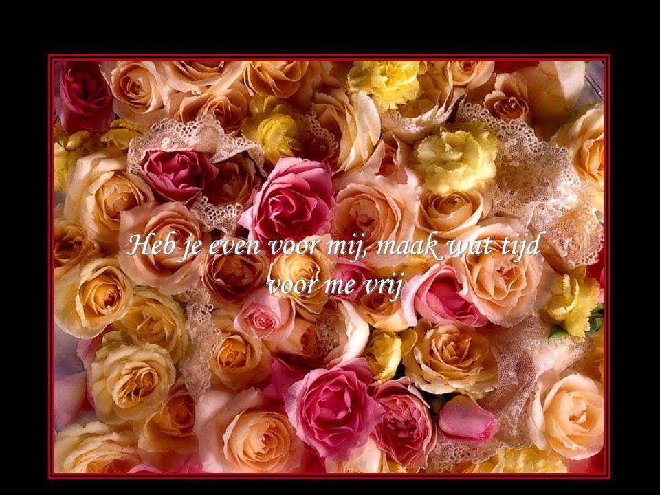 Ieder uur van de dag denk ik steeds aan jou lach alleen jij maakt me blij