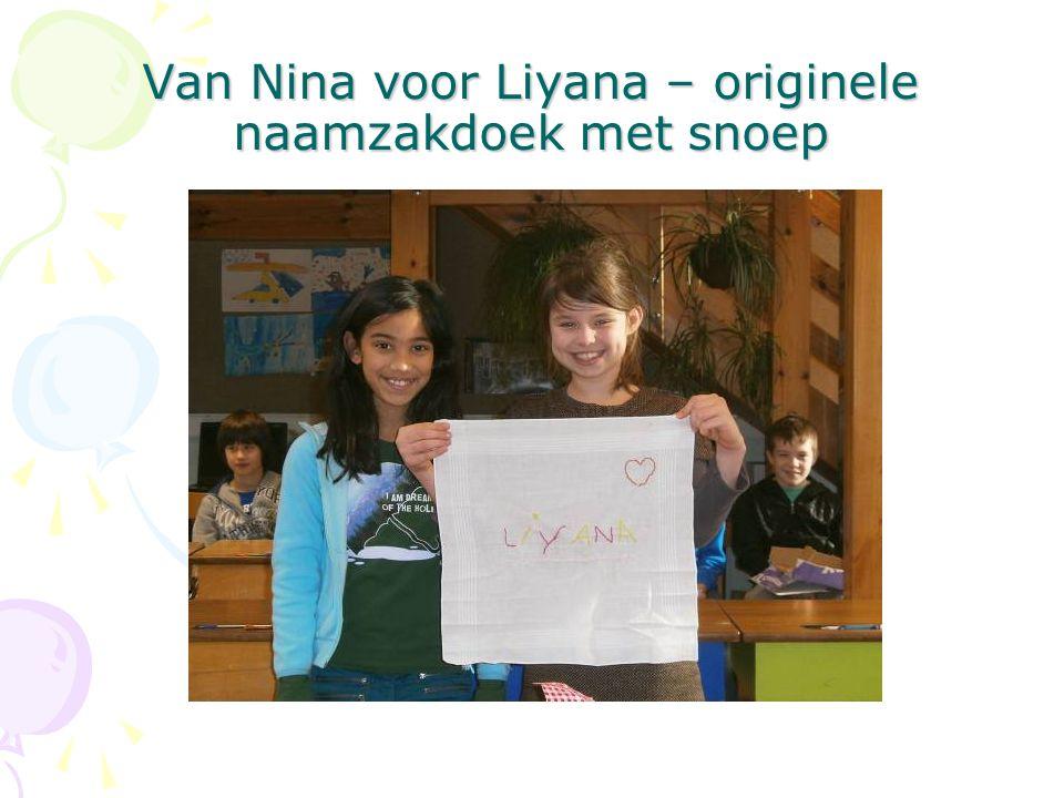 Van Nina voor Liyana – originele naamzakdoek met snoep