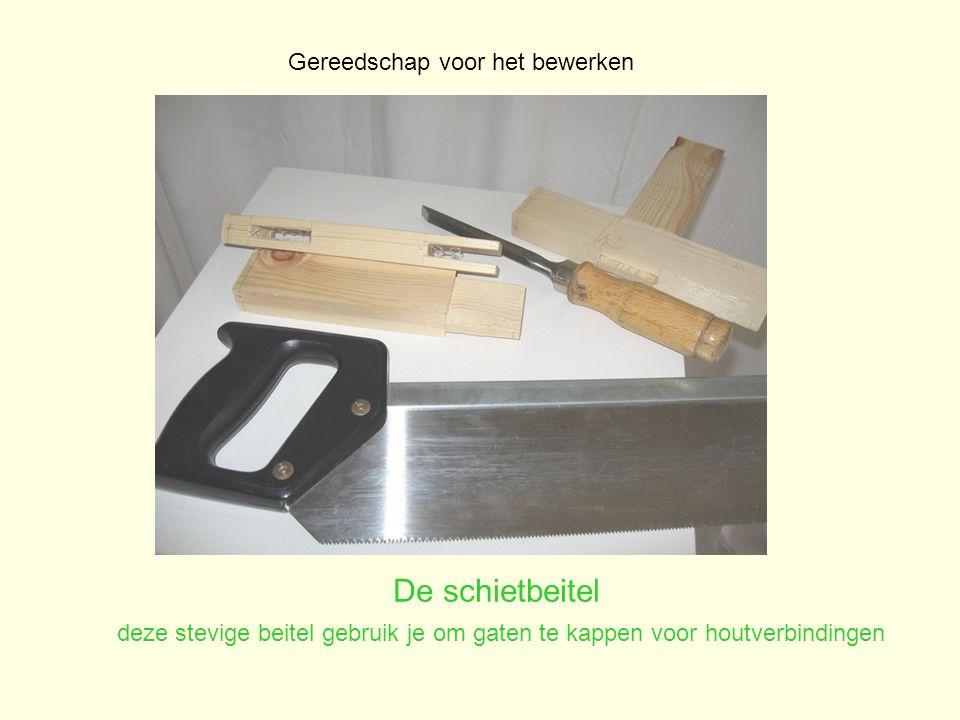 De schietbeitel deze stevige beitel gebruik je om gaten te kappen voor houtverbindingen Gereedschap voor het bewerken