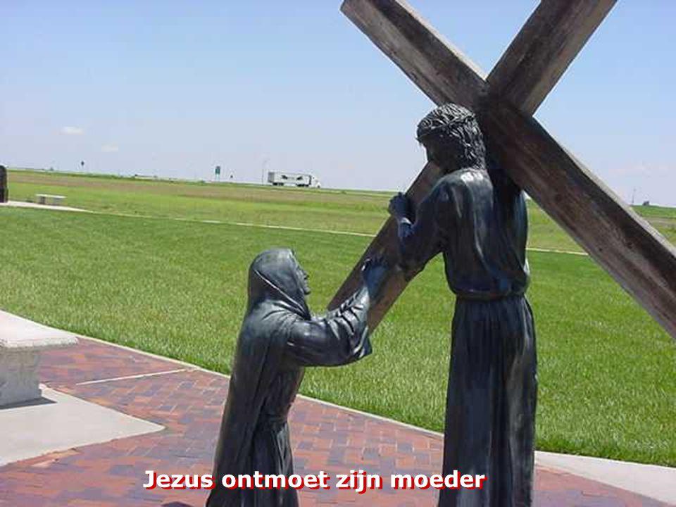 Jezus valt een eerste keer