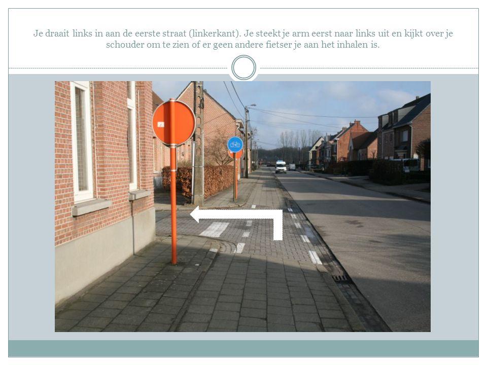 Het verkeer op dit kruispunt zal geregeld worden door een politieagent.