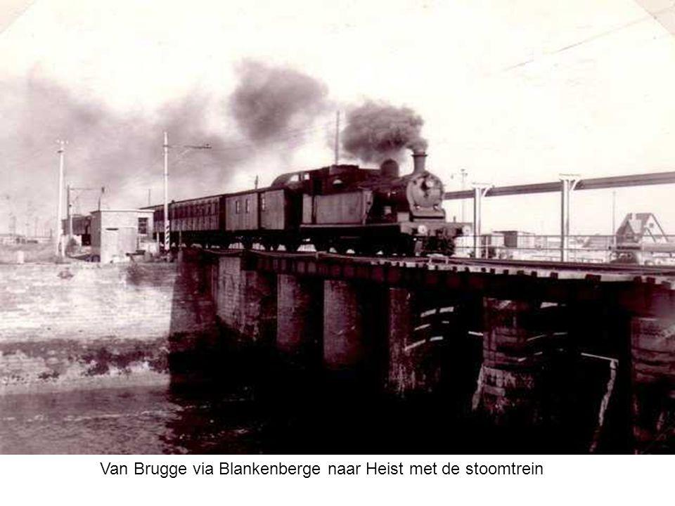 De eerste treinhalte in Heist werd gebouwd in 1868 bij het doortrekken van de spoorlijn Brugge-Blankenberge naar Heist. Het groot gebouw is het 'Frans