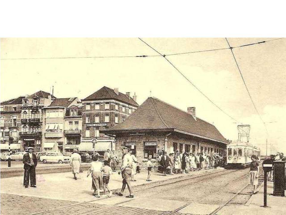 Na de heraanleg van het treinspoor en het treinstation werd er een nieuw tramstation gebouwd