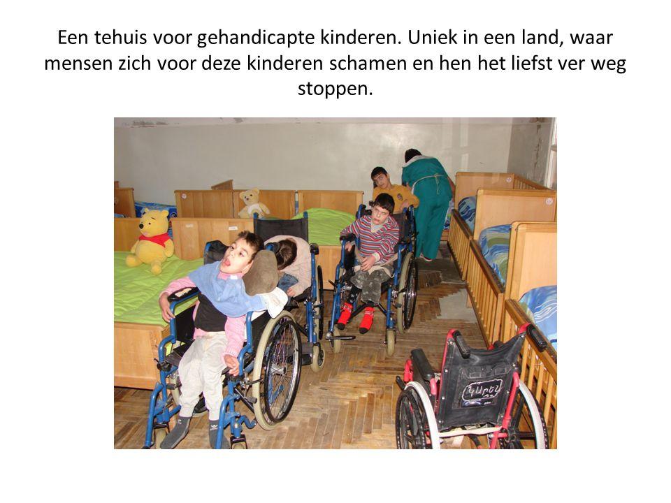 Een tehuis voor gehandicapte kinderen. Uniek in een land, waar mensen zich voor deze kinderen schamen en hen het liefst ver weg stoppen.