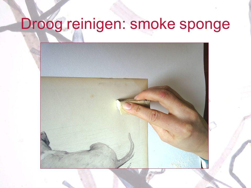 Droog reinigen: smoke sponge