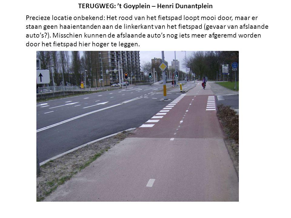 Precieze locatie onbekend: Het rood van het fietspad loopt mooi door, maar er staan geen haaientanden aan de linkerkant van het fietspad (gevaar van a
