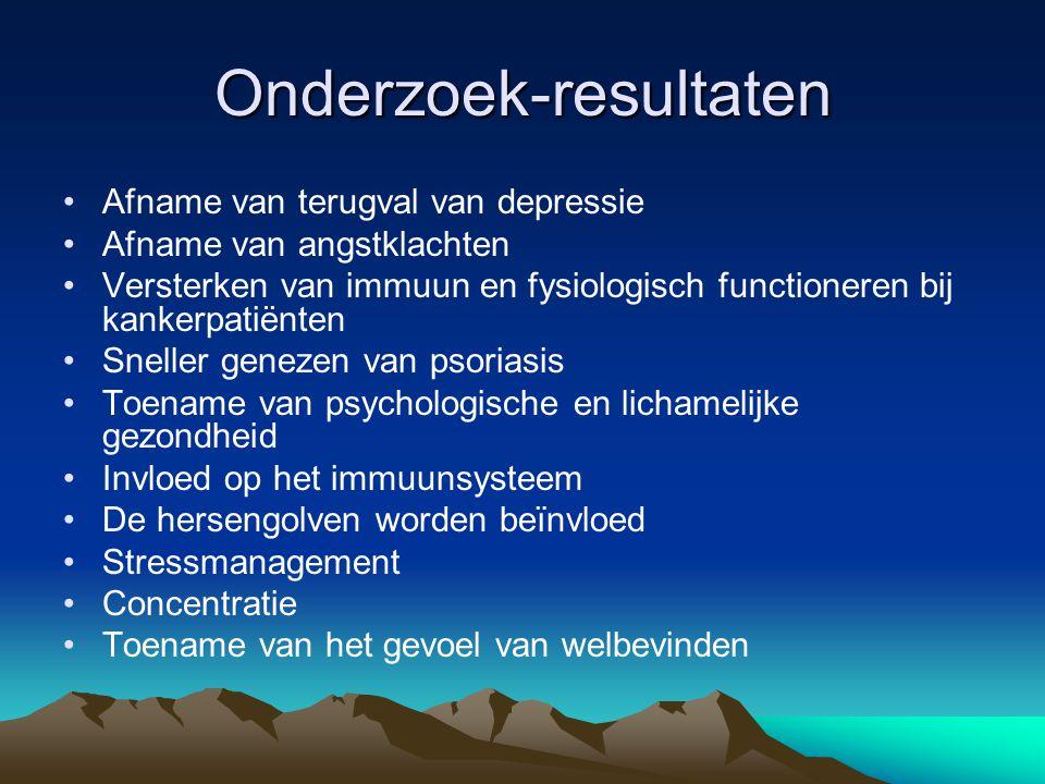 Onderzoek GGZ AMC-De Meren •108 proefpersonen •Uiteenlopende diagnoses •12 groepen •11 dropouts •Voorwaarde voor deelname:tenminste 1as-I stoornis volgens de DSM-IV •Voor- en nameting m.b.v.