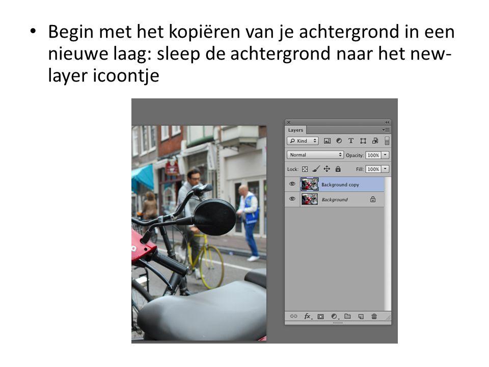 • Begin met het kopiëren van je achtergrond in een nieuwe laag: sleep de achtergrond naar het new- layer icoontje