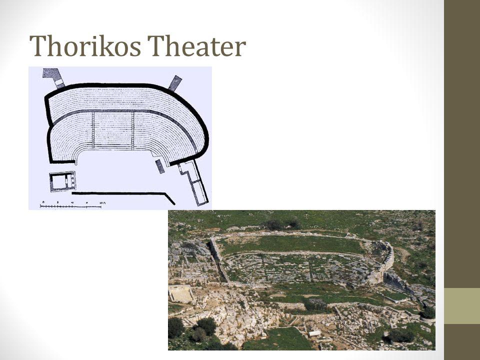 Performance voor de Polis • Tragedies werden opgevoerd in openlucht, tijdens de Grote Dionusia, een zevendaags religieus festival.