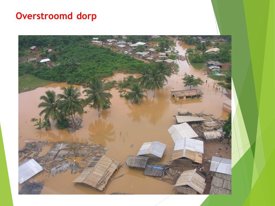 Overstroomd dorp 11