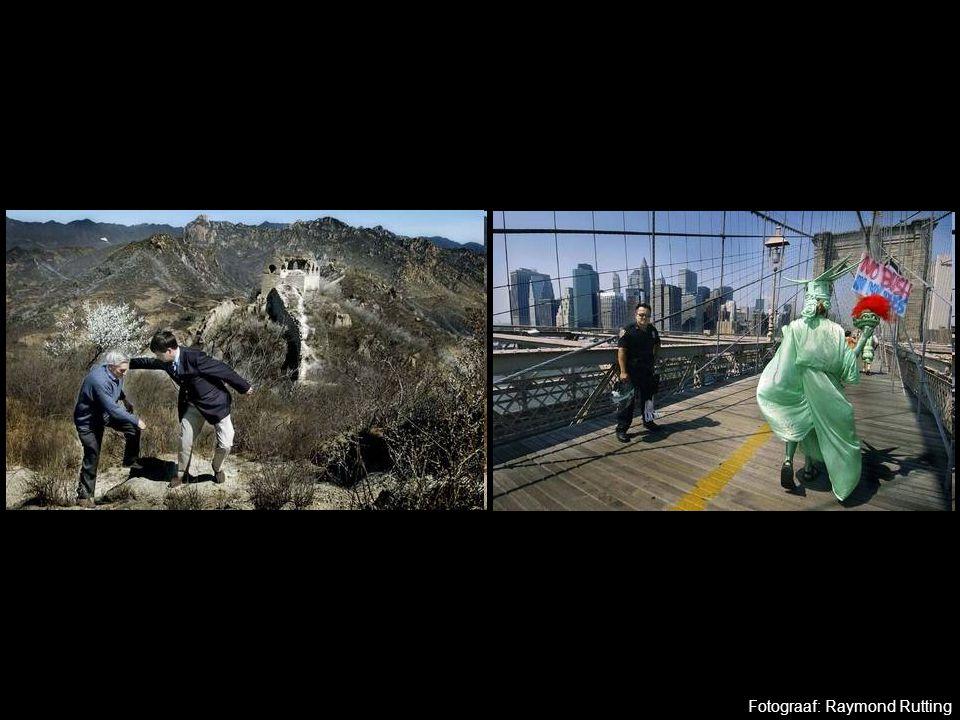 Opdracht Maak 2 foto's van je eigen werk 1 foto van een driedimensionaal werk 1 foto van een 2d werk