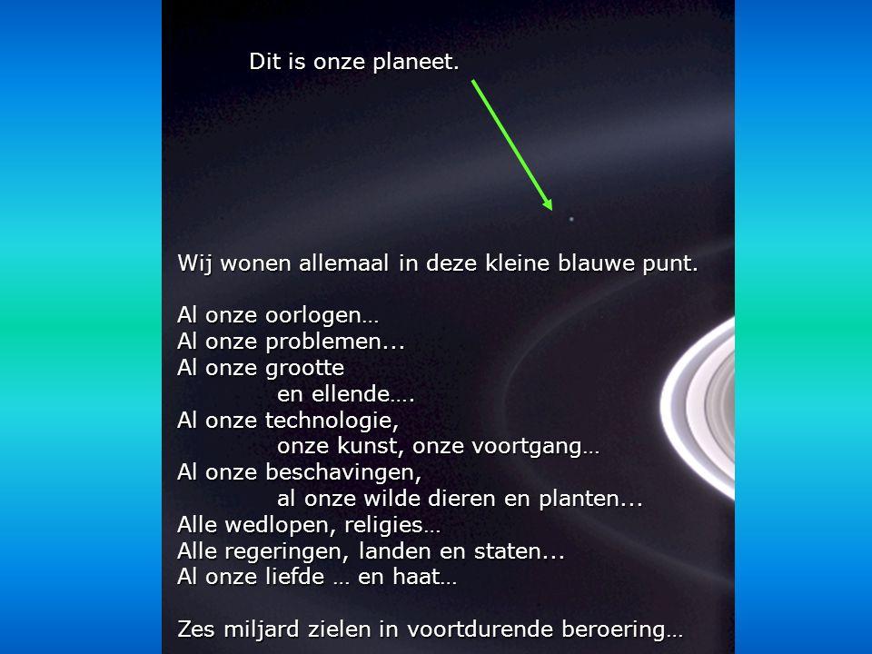 Héla aquí, pues: Beschouw deze foto enige tijd Hij was gemaakt door de Cassini-Huygens probe, in 2004, Toen die bij de ringen van Saturnus aankwam.