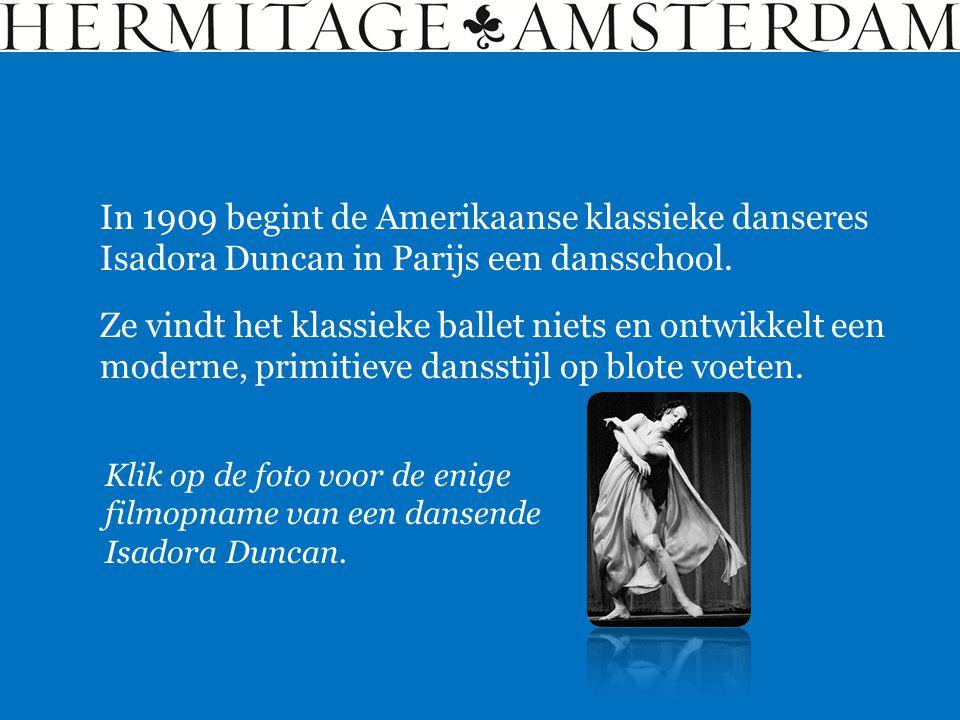 In 1909 begint de Amerikaanse klassieke danseres Isadora Duncan in Parijs een dansschool. Ze vindt het klassieke ballet niets en ontwikkelt een modern