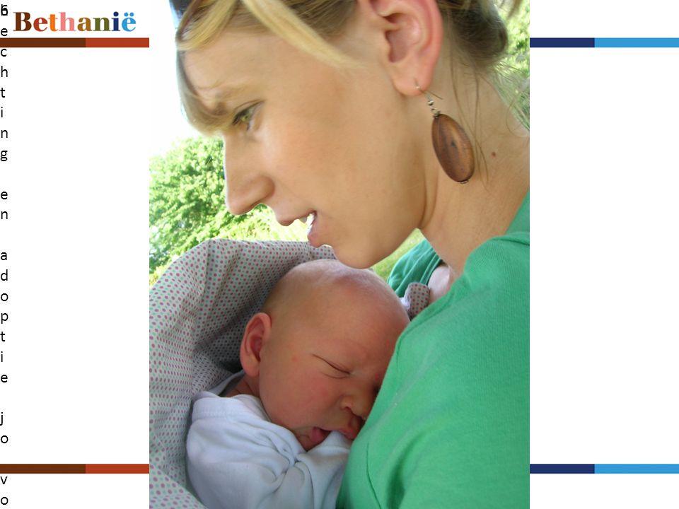 Klik op het pictogram als u een afbeelding wilt toevoegen De baby, de moeder, de overgrootvader • Gehecht.