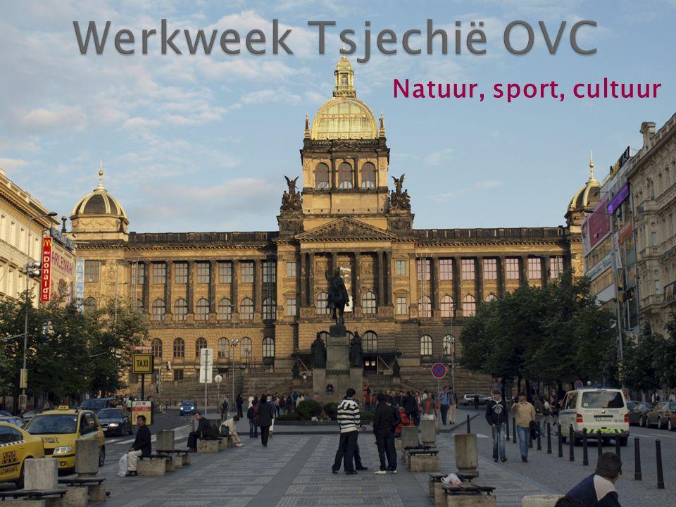  Houd je van: ◦ Mooie steden ◦ Natuur ◦ Pittige (Berg)Wandelingen/Sport ◦ Indrukwekkende monumenten.