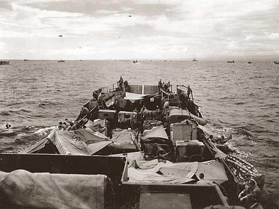 • Op 6 juni 1944 om 6u30, ontscheept het 8e regiment van de 4e amerikaanse infanterie divisie onder bevel van generaal Barton, gesteund door amphibie tanks, voor de duinen van La Madeleine, gelegen op enkele km van de plaats Sainte-Marie-du-Mont.