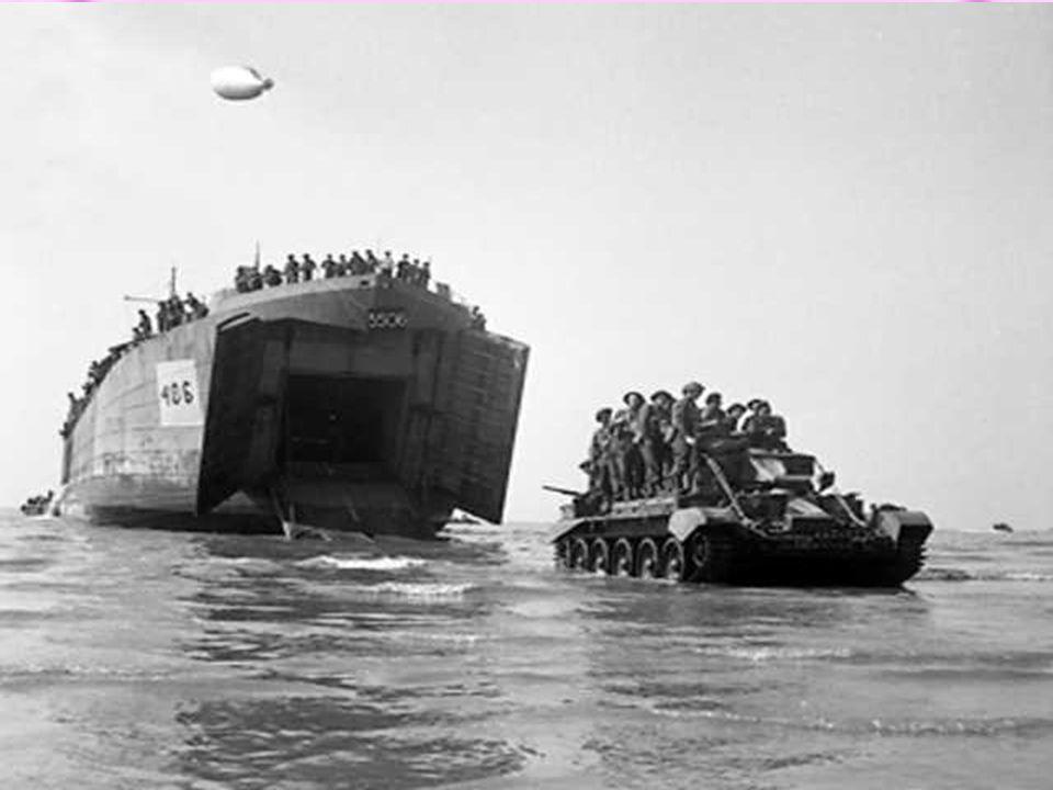 Kolonne schepen op weg naar Normandië
