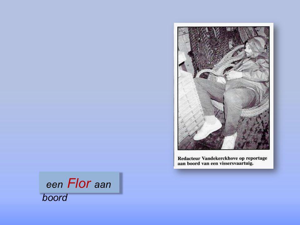 Eddy Eerebout & Valeer Vansteene & bemanning die de eerste kwaliteitswimpel krijgen