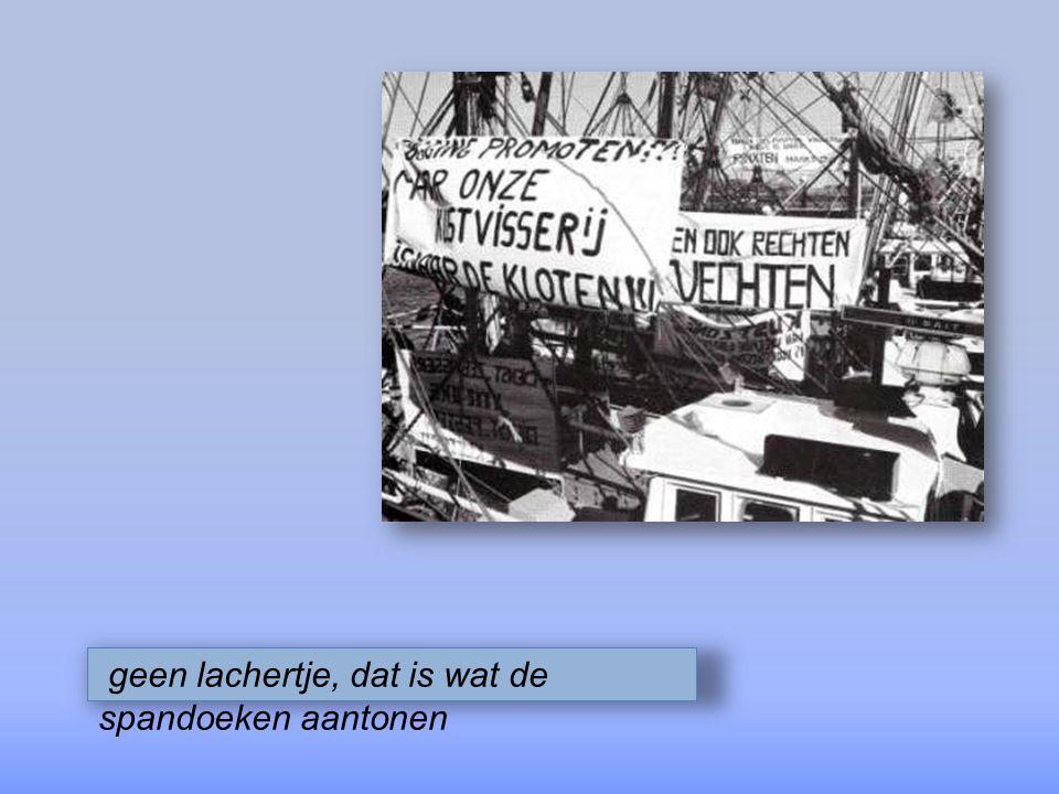 al onze kustvissers worden opgeroepen om de Oostendse haven te helpen blokkeren