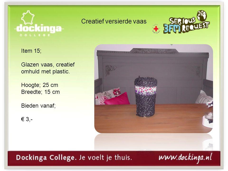Creatief versierde vaas Item 15; Glazen vaas, creatief omhuld met plastic.