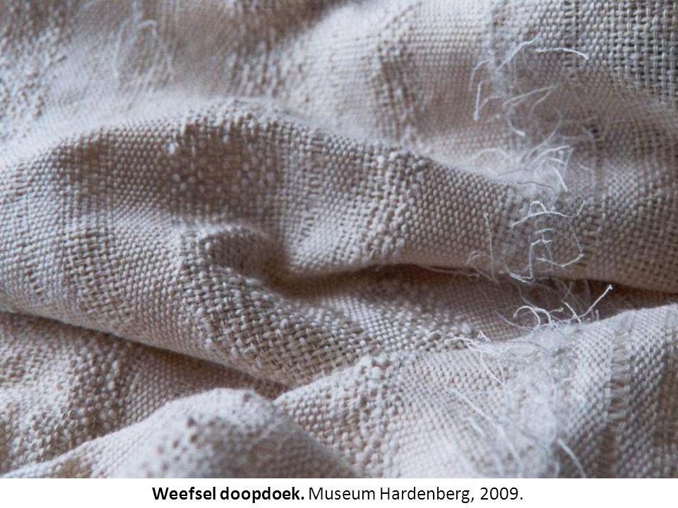 Weefsel doopdoek. Museum Hardenberg, 2009.